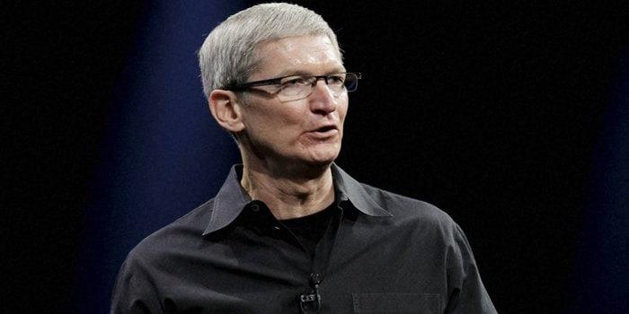 Le patron d'Apple Tim Cook confirme l'intérêt du groupe pour les systèmes de conduite autonome