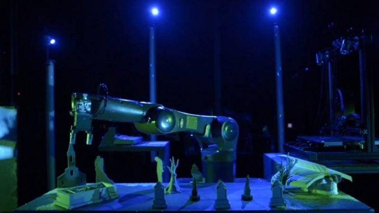 Artefact, le théâtre de l'intelligence artificielle mis en scène par Joris Mathieu