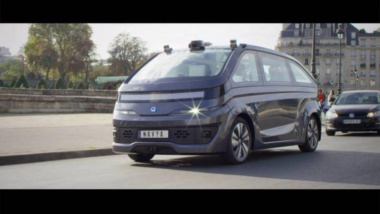 La start-up Navya dévoile son taxi autonome basé sur l'IA et veut révolutionner le transport urbain
