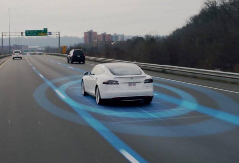 Tesla mise sur l'intelligence artificielle et les réseaux de neurones et laisse de côté le LiDAR