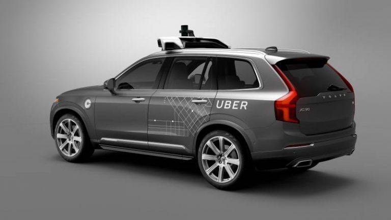 """Uber : Non, le véhicule n'a pas """"choisi de ne pas éviter le piéton""""."""