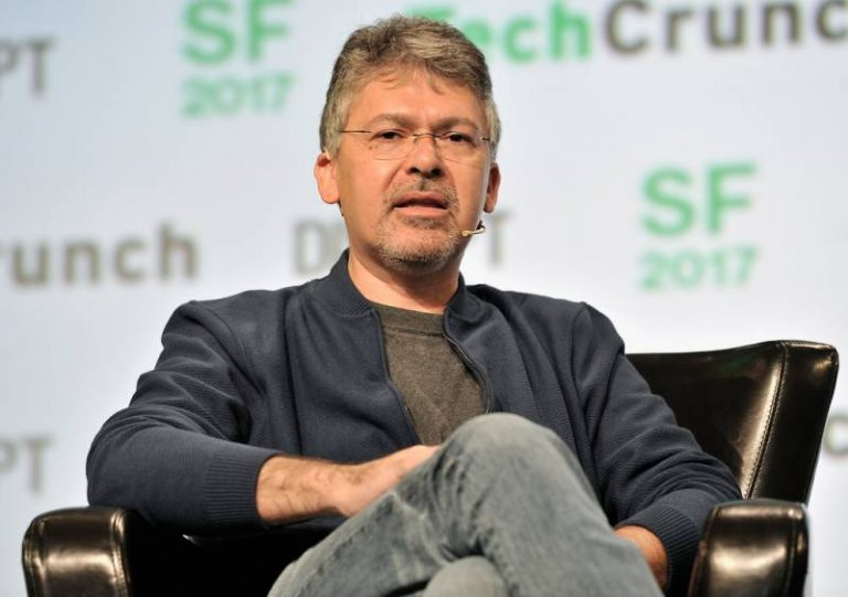 John Giannandrea, ex-patron de l'IA de Google passe chez Apple