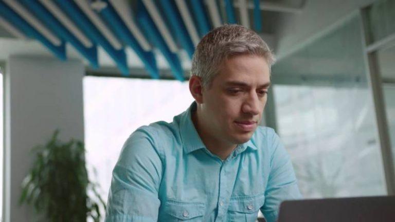 Adobe utilise l'intelligence artificielle pour détecter les images manipulées