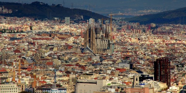 Comment la mairie de Barcelone souhaite favoriser une utilisation éthique de l'intelligence artificielle