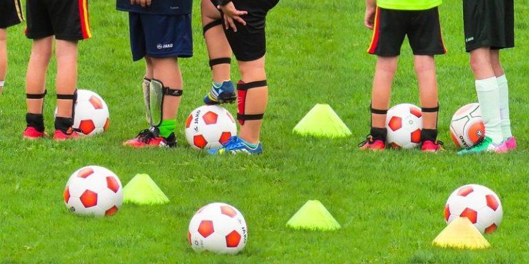 Comment l'intelligence artificielle est utilisée pour faciliter le recrutement de jeunes footballeurs
