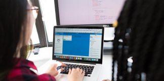 Teens in AI et la Société Générale organisent un hackathon sur l'égalité des sexes avec pour participants, des jeunes entre 12 et 18 ans en priorisant les filles