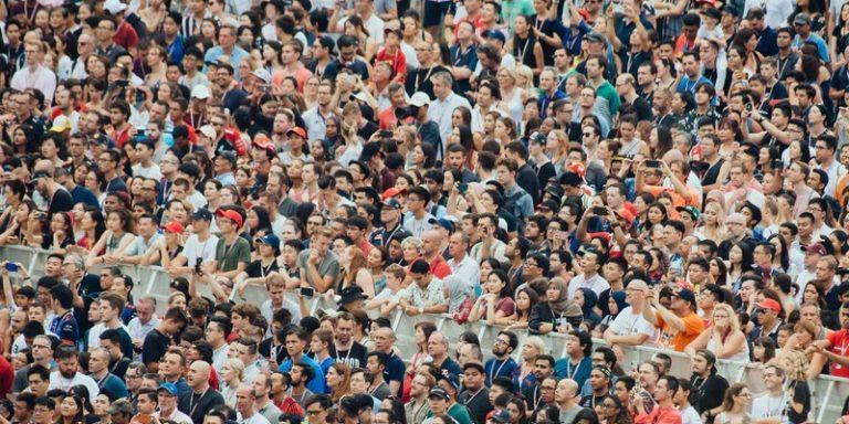 Une étude dévoile que l'avis d'une foule est moins pris en compte que celui d'un algorithme