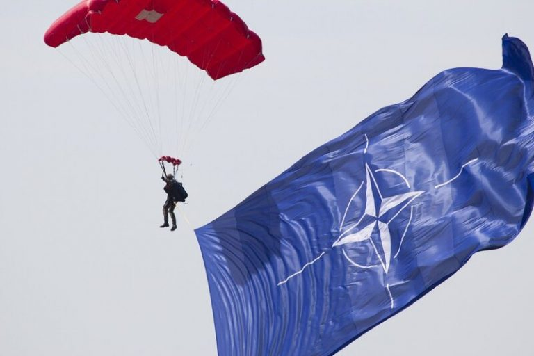 L'OTAN travaille à l'encadrement de l'utilisation de l'intelligence artificielle dans le domaine militaire