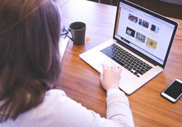 Le Hackathon conjointement organisé par l'UNESCO et Microsoft s'adresse à des filles pour leur faire découvrir le monde de l'IA