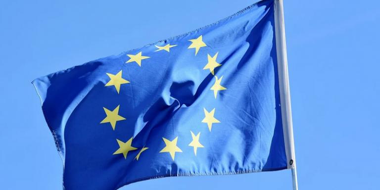"""Europe : la commission européenne prévoit de réglementer l'utilisation des systèmes d'IA à """"haut risque"""""""