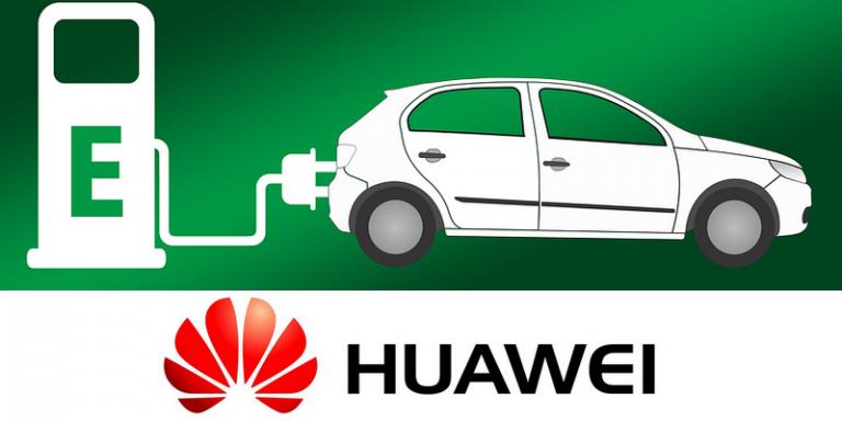 Huawei présente l'Arcfox Alpha S : son premier modèle de voiture électrique et autonome