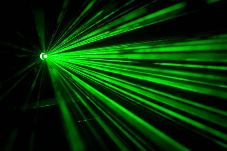 L'Institut FEMTO-ST met l'intelligence artificielle au service de ses recherches en photonique ultrarapide