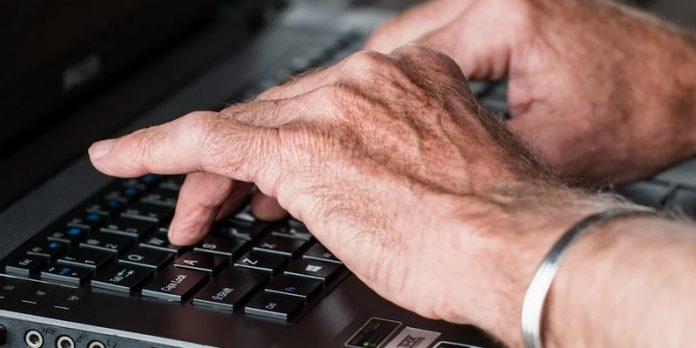sondage Silver Valley HappyVisio usage numérique séniors personnes âgées ordinateur tablette internet smartphone