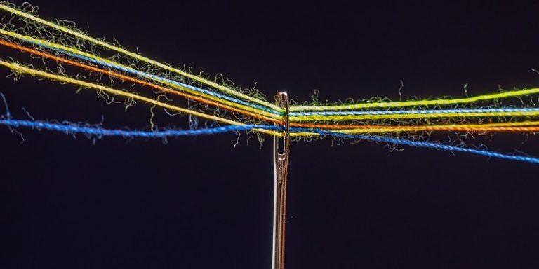 Une équipe de recherche du MIT développe une fibre textile intelligente qui stocke et analyse des données
