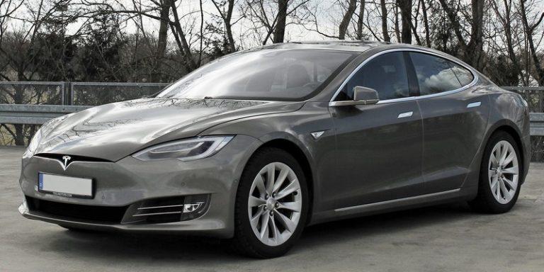 Le système semi-autonome Autopilot de Tesla au centre d'un enquête fédérale suite à de multiples accidents