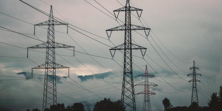 Une analyse des embauches dans l'industrie électrique pour mieux saisir la transformation numérique du secteur