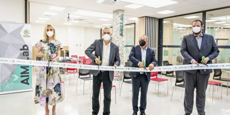 Skoda ouvre son laboratoire dédié à l'intelligence artificielle pour améliorer sa production de véhicules électriques